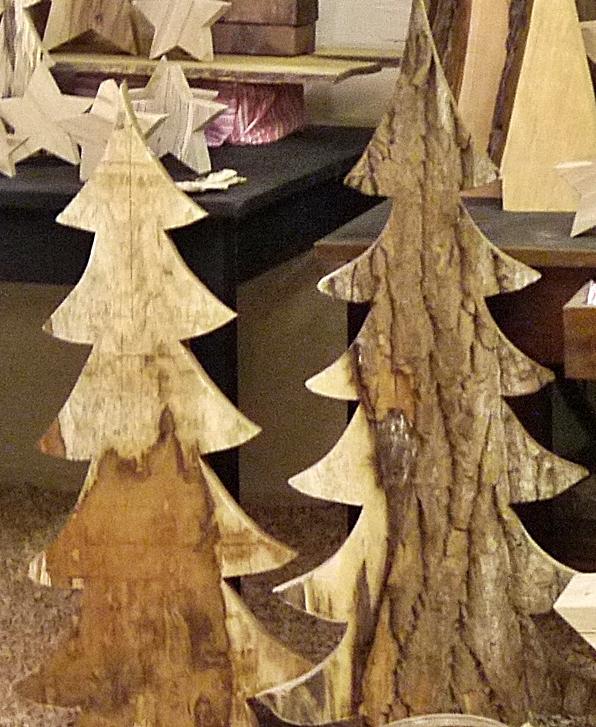 deko tannenbaum holz mit rinde frohe weihnachten in europa. Black Bedroom Furniture Sets. Home Design Ideas